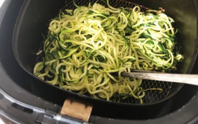 Air Fryer Zucchini noodles