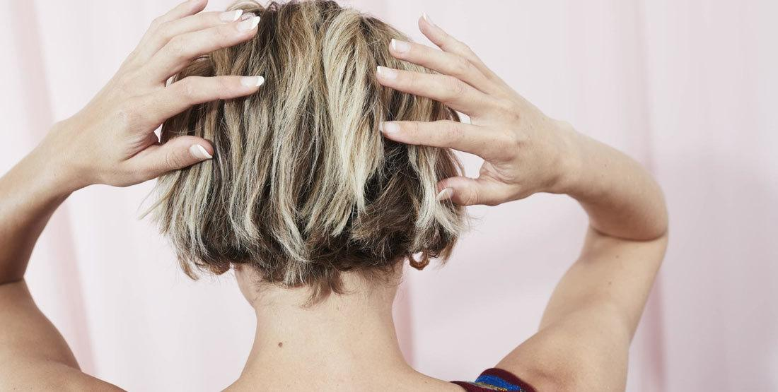 What are the types of hair color removers?